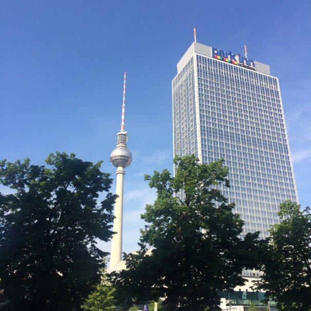 THE BERLIN DIARIES - WAAR BLIJFT DE TIJD